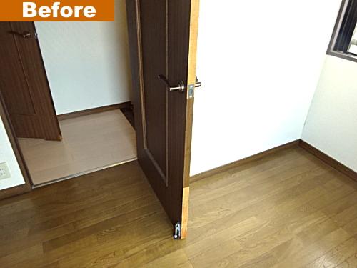 洋室ドアの破損